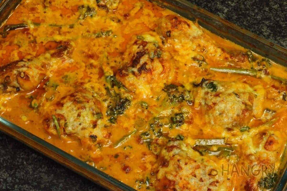 Creamy Chicken Casserole with Broccoli & Bacon