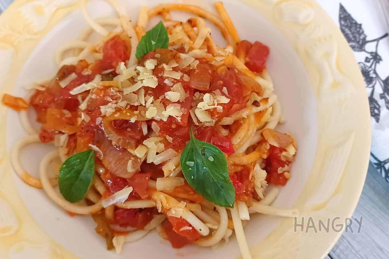 Bucatini Pasta with Fragrant Tomato Sauce