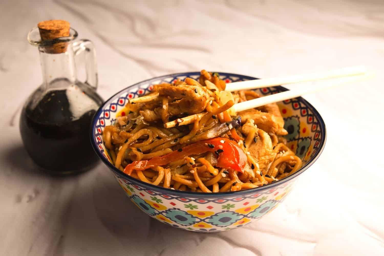Chicken Stir Fry with Crunchy Veg & Egg Noodles