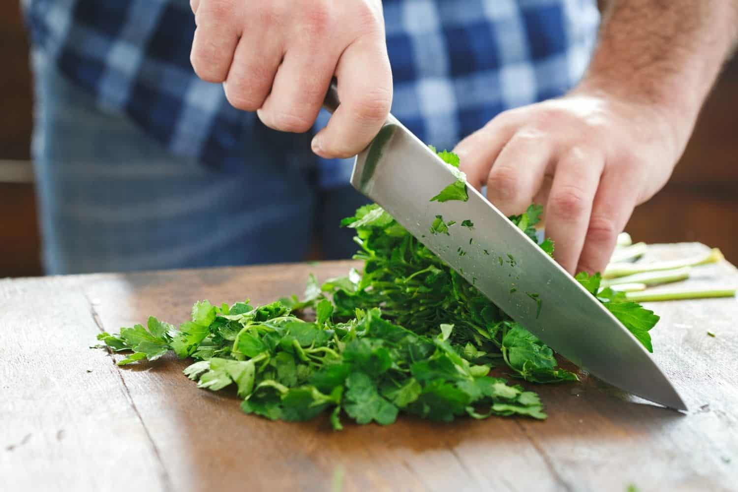 How to Chop and what does it mean to chop when cooking?