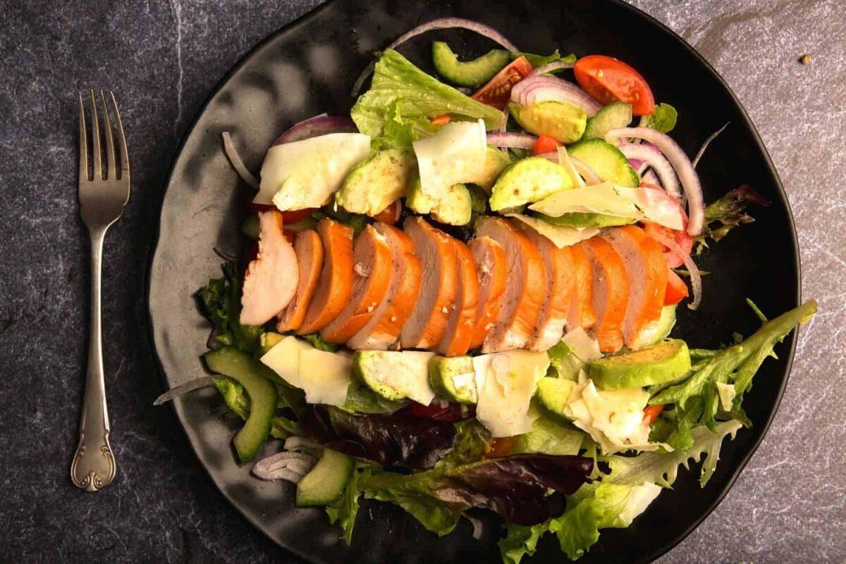 Smoked Chicken and Avo salad with Honey Mustard dressing