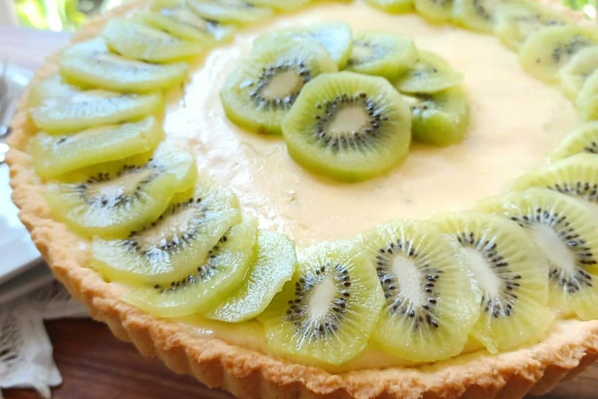 Sweet and Fruity Kiwi And Lime Pie