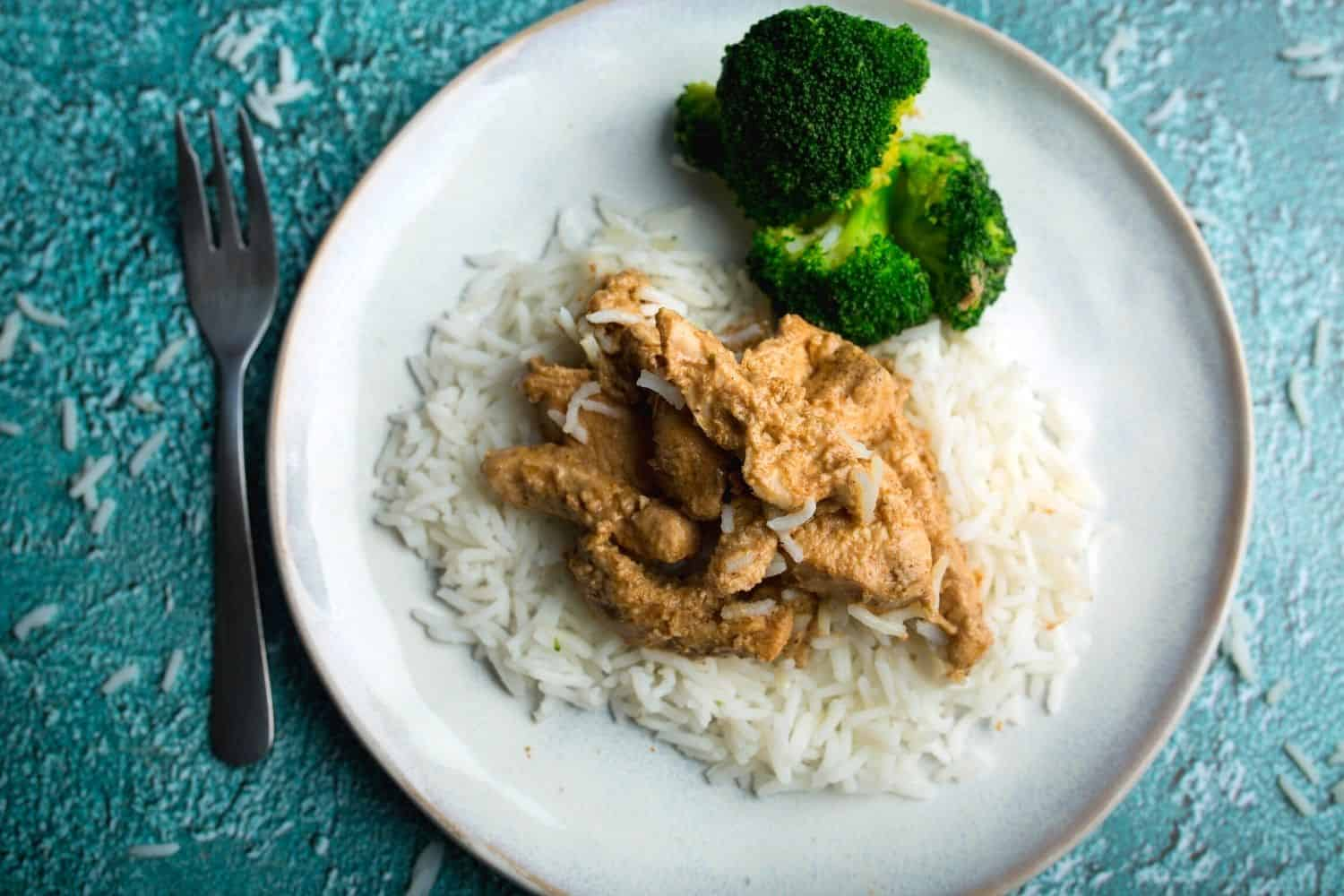 Grilled Chicken Strips with Broccoli and Rice