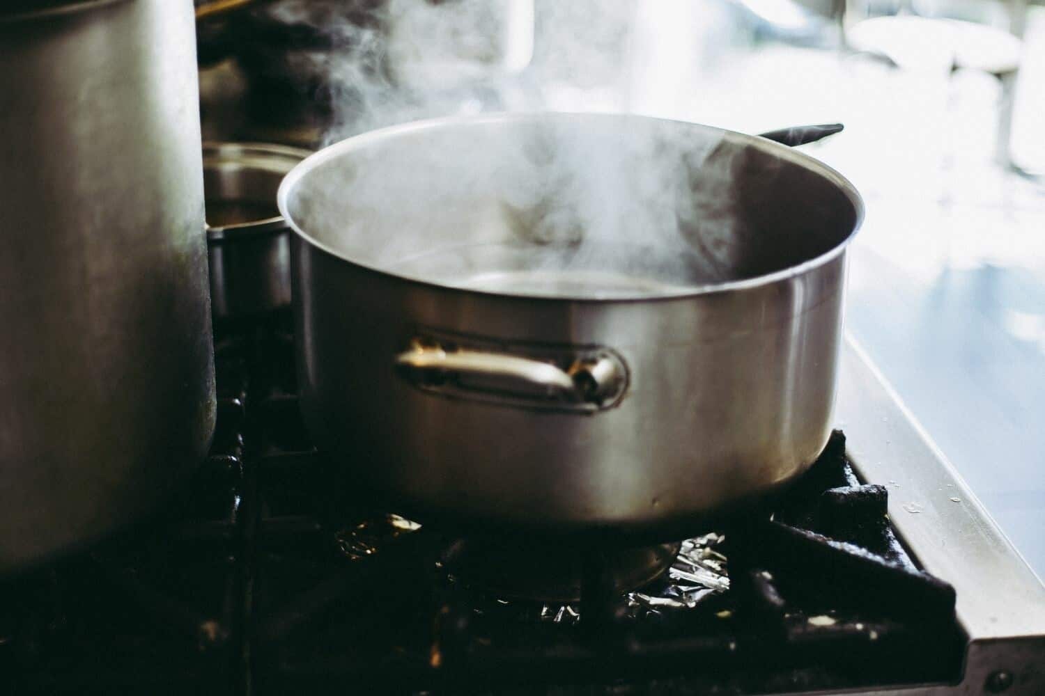 How to boil and what does it mean to boil when cooking?